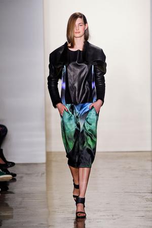 Показы мод Zero + Maria Cornejo Осень-зима 2012-2013 | Подиум на ELLE - Подиум - фото 1656