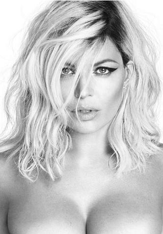 42-летняя Ферги полностью обнажилась для обложки альбома фото [6]