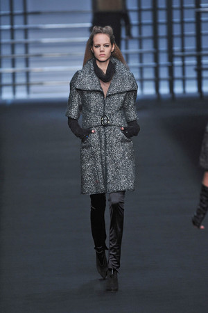 Показ Karl Lagerfeld коллекции сезона Осень-зима 2009-2010 года prêt-à-porter - www.elle.ru - Подиум - фото 99139