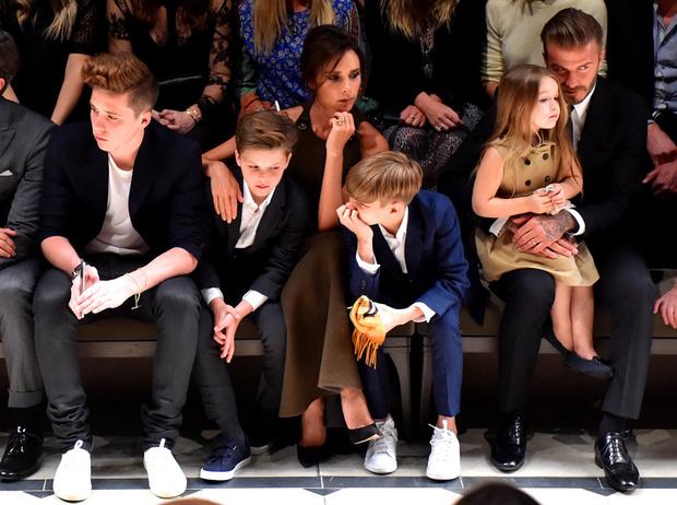 Виктория и Дэвид Бекхэм с детьми