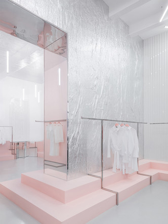 Яркая концепция в минималистичном дизайне в магазине от AKZ Architectura (фото 6)
