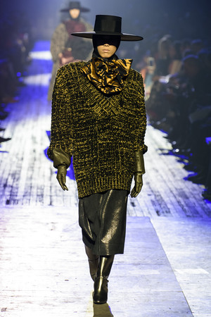 Показ Marc Jacobs коллекции сезона осень-зима  2018-2019 года Prêt-à-porter - www.elle.ru - Подиум - фото 688571
