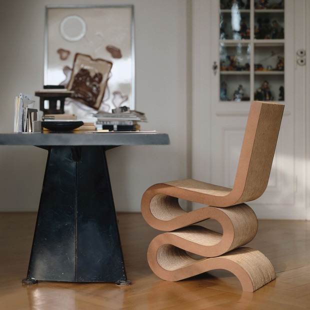 Культовый объект: Wiggle Side Chair Фрэнка Гери (фото 0)