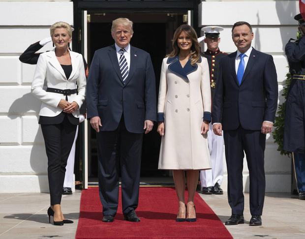 Мелания Трамп в пальто Gucci из натуральной шерсти за 2 700 евро (фото 1)
