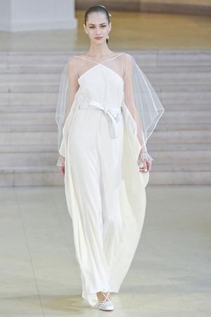Показ Alexis Mabille коллекции сезона Весна-лето 2011 года haute couture - www.elle.ru - Подиум - фото 214839