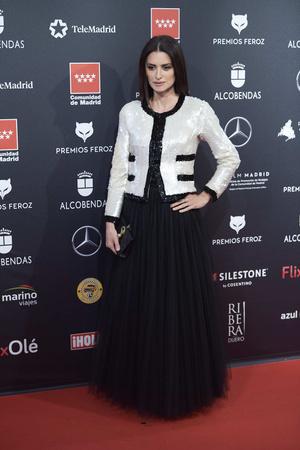 Черно-белая роскошь: Пенелопа Крус в наряде Chanel (фото 1.2)