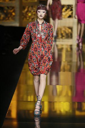 Показ Christian Dior коллекции сезона Осень-зима 2009-2010 года Prêt-à-porter - www.elle.ru - Подиум - фото 97687