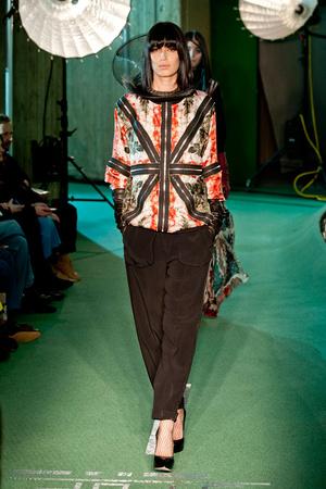 Показ Jean Paul Gaultier коллекции сезона Осень-зима 2014-2015 года prêt-à-porter - www.elle.ru - Подиум - фото 582884