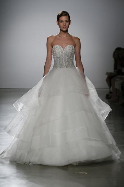 60 пышных свадебных платьев 2015 | галерея [1] фото [33]