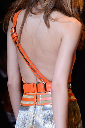 Показ Versace коллекции сезона Весна-лето 2013 года Prêt-à-porter - www.elle.ru - Подиум - фото 443145
