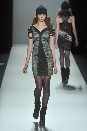 Показ Nicole Miller коллекции сезона Осень-зима 2010-2011 года prêt-à-porter - www.elle.ru - Подиум - фото 144016