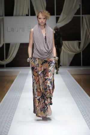 Показ Laura Biagiotti коллекции сезона Осень-зима 2010-2011 года prêt-à-porter - www.elle.ru - Подиум - фото 153282