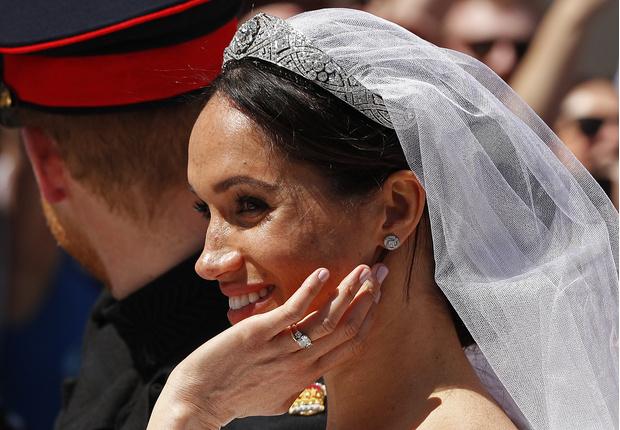 История одного украшения: свадебная тиара Меган Маркл (фото 8)