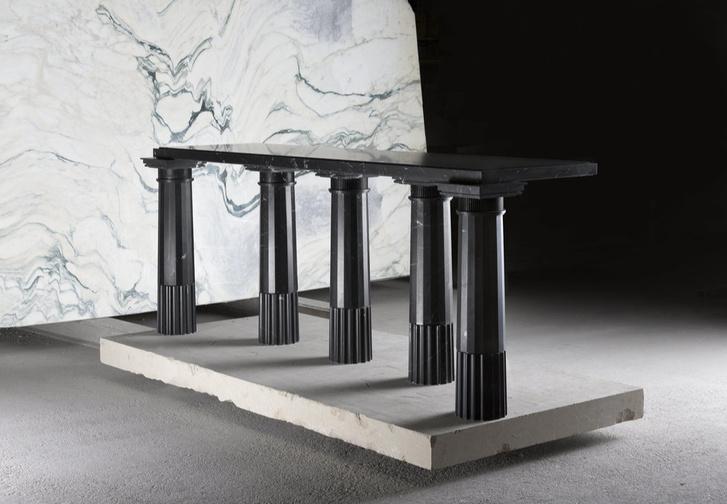 Выставка мебели Карла Лагерфельда в Париже (фото 0)