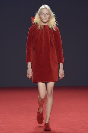 Показ Viktor & Rolf коллекции сезона Осень-зима 2014-2015 года Haute couture - www.elle.ru - Подиум - фото 585187