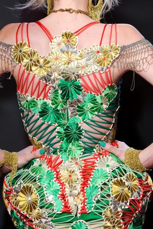 Показ Jean Paul Gaultier коллекции сезона Весна-лето 2012 года Haute couture - www.elle.ru - Подиум - фото 333304