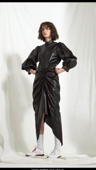 Платье в пол с длинным рукавом: какое выбрать (фото 6)