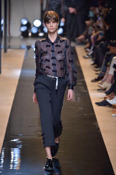 Неделя моды в Париже: показы Alexander McQueen и Paul & Joe ready-to-wear осень — зима 2015-2016 | галерея [2] фото [5]