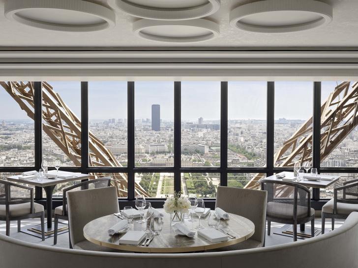 Возвращение легенды: ресторан  Le Jules Vernе на Эйфелевой башне (фото 0)