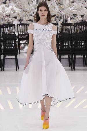 Показ Christian Dior коллекции сезона Осень-зима 2014-2015 года Haute couture - www.elle.ru - Подиум - фото 584663