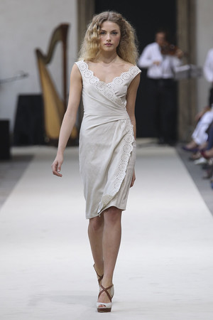 Показы мод Luisa Beccaria Весна-лето 2011 | Подиум на ELLE - Подиум - фото 2563
