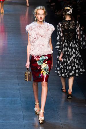 Показ Dolce & Gabbana коллекции сезона Весна-лето 2014 года prêt-à-porter - www.elle.ru - Подиум - фото 566258