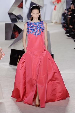 Показ Giambattista Valli коллекции сезона Весна-лето 2014 года Haute couture - www.elle.ru - Подиум - фото 574300