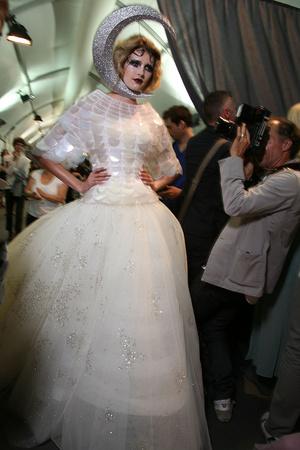 Показ Christian Dior коллекции сезона Осень-зима 2011-2012 года Haute couture - www.elle.ru - Подиум - фото 277222