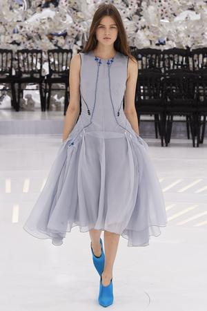 Показ Christian Dior коллекции сезона Осень-зима 2014-2015 года Haute couture - www.elle.ru - Подиум - фото 584665