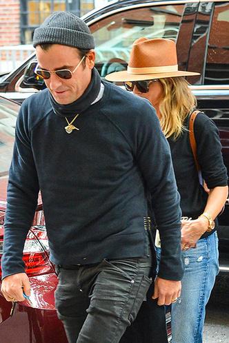 Осень в Нью-Йорке: Дженнифер Энистон и Джастин Теру на свидании фото [1]