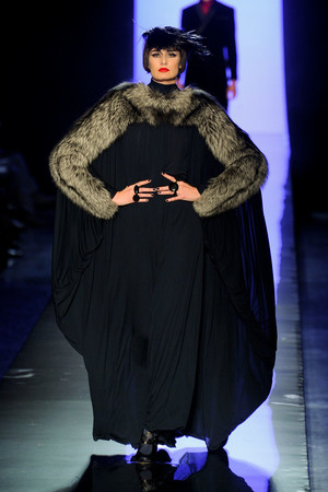 Показ Jean Paul Gaultier коллекции сезона Осень-зима 2011-2012 года Haute couture - www.elle.ru - Подиум - фото 278881