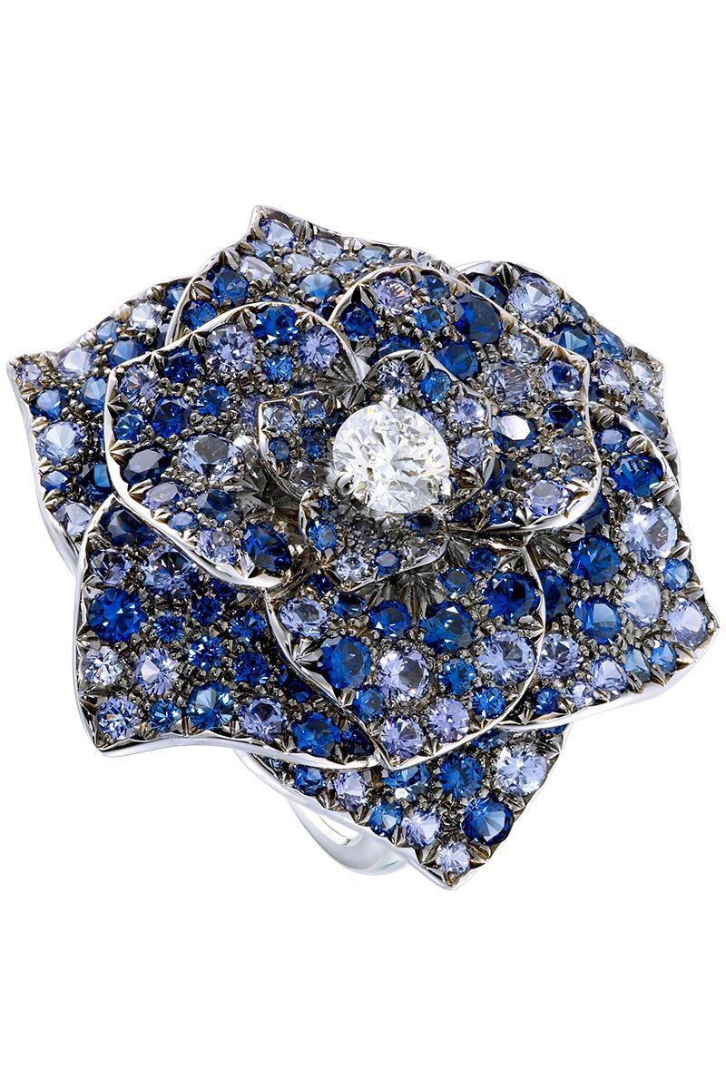 Кольцо Rose, белое золото, бриллианты, сапфиры, Piaget, бутики Piaget.