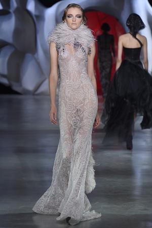 Показ Ulyana Sergeenko коллекции сезона Осень-зима 2014-2015 года haute couture - www.elle.ru - Подиум - фото 584987