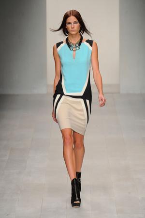 Показы мод Jean-Pierre Braganza Весна-лето 2013 | Подиум на ELLE - Подиум - фото 1197