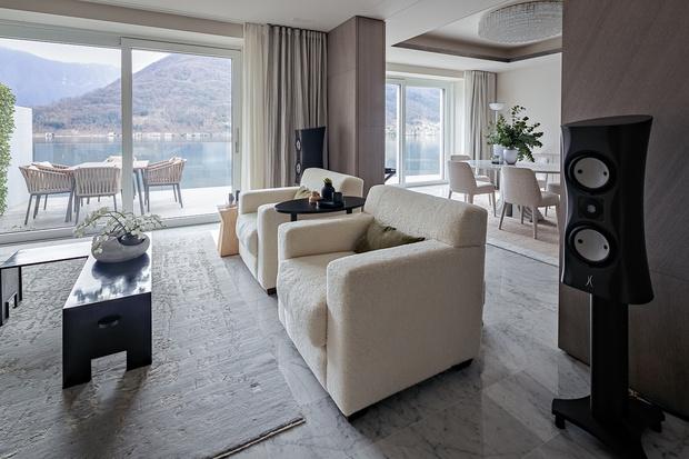 Дом для семьи меломанов на озере Лугано (фото 0)