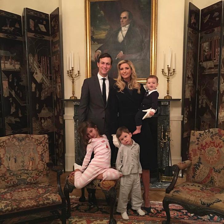Иванка Трамп и Джаред Кушнер с детьми