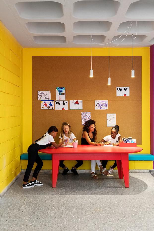 Яркая школа для детей-беженцев в Тель-Авиве (фото 11)