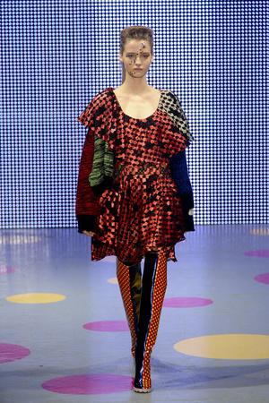 Показы мод Louise Gray Осень-зима 2011-2012 | Подиум на ELLE - Подиум - фото 2297