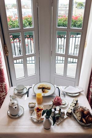 Круассаны в постель: 5 парижских отелей с образцовыми завтраками (фото 11)