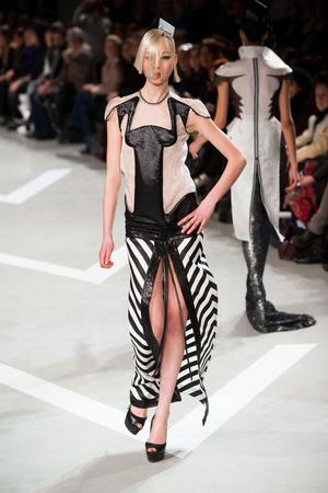 Показ Julien Fournie коллекции сезона Весна-лето 2013 года haute couture - www.elle.ru - Подиум - фото 479508