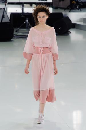 Показы мод Chanel Весна-лето 2014 | Подиум на ELLE - Подиум - фото 3769