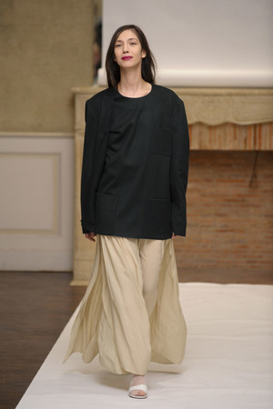 Показ Adeline Andre коллекции сезона Весна-лето 2011 года Haute couture - www.elle.ru - Подиум - фото 216074
