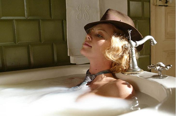 Шарлиз Терон, кадр из фильма «Голова в облаках»