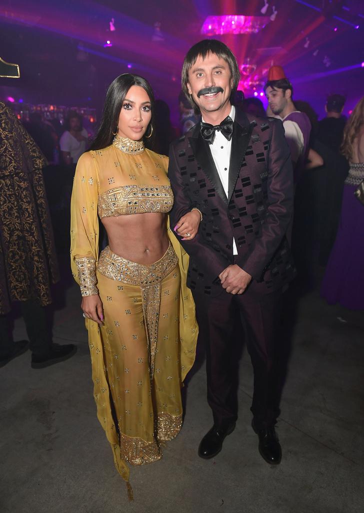 Страшно красивые: Амаль и Синди на вечеринке по случаю Хэллоуина фото [8]