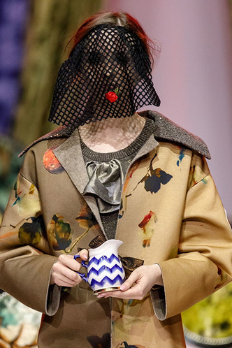 Посуда Гжельского фарфорового завода на Moscow Fashion Week (фото 4.1)