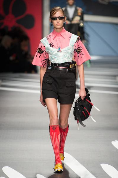 Как носить компрессионные носки? Показывают Prada | галерея [1] фото [11]