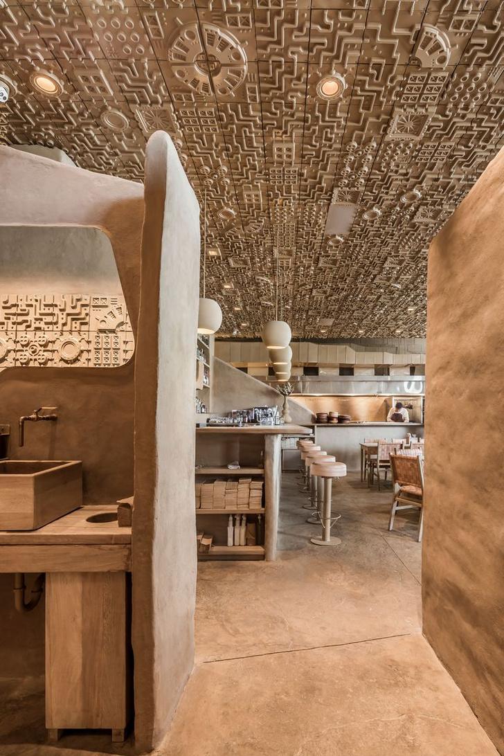 Ресторан с необычным потолком в Мексике (фото 3)