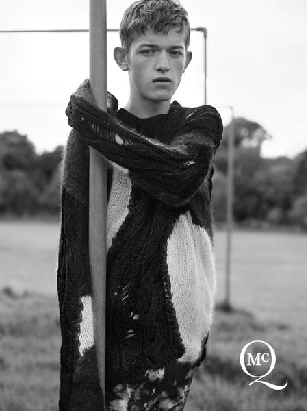 Бренд McQ Alexander McQueen представил новую рекламную кампанию