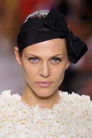 Показ Giambattista Valli коллекции сезона Осень-зима 2011-2012 года Haute couture - www.elle.ru - Подиум - фото 277821