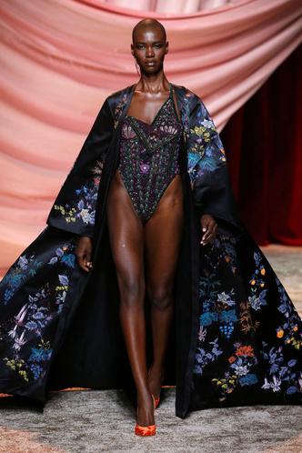 Побег из Самарканда: показ Ulyana Sergeenko Couture в Париже (фото 4.2)